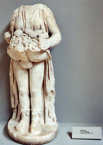 статуя с эрегированным членом