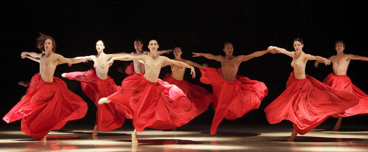 Топлес балет