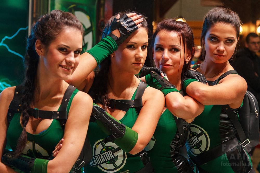 Gladiator девушки Игромира 2013