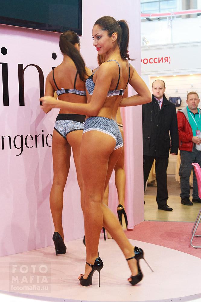 Девушки на шпильках в нижнем белье