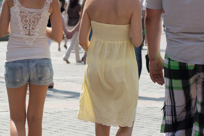 У девочек дод платьем фото 26 фотография