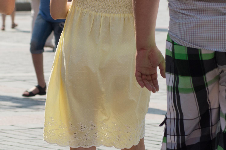 Просвечиваются штаны у девушки 1 фотография