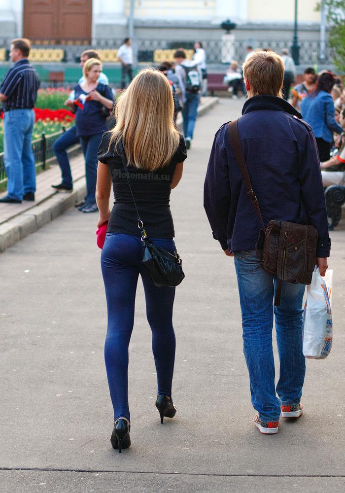 фото попок в джинсах на улицах