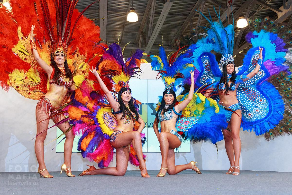 Бразильские танцы на выставке фотофорум 2013