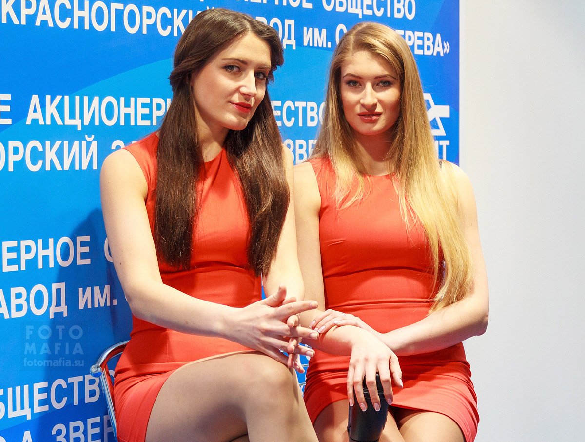 Девушки на выставке Фотофорум 2014