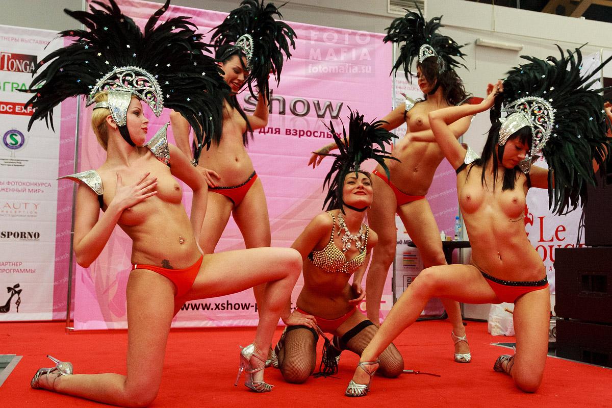 Стриптиз-шоу на выставке X'show 2013