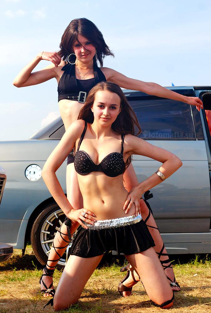 Автоэкзотика 2011 - девушки стенда Sonic Trace