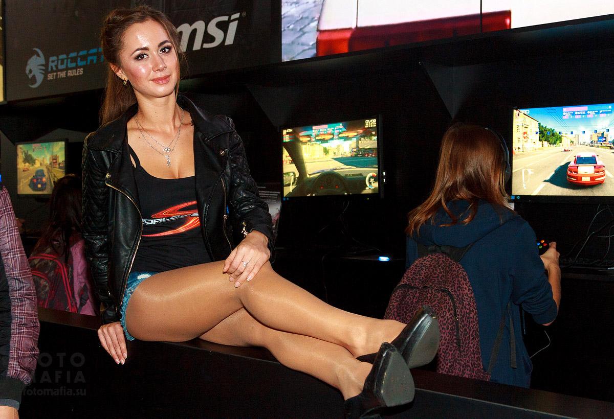 Игромир 2014 - девушка World of Speed