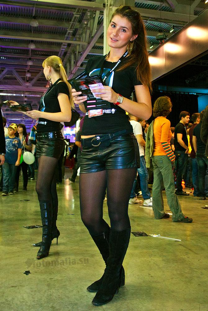 Игромир 2011 - девушка Alienware