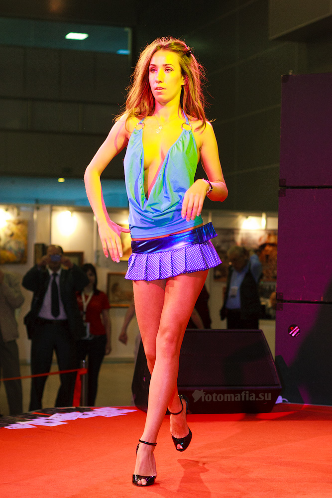Показ нижнего белья на выставке X'show 2011