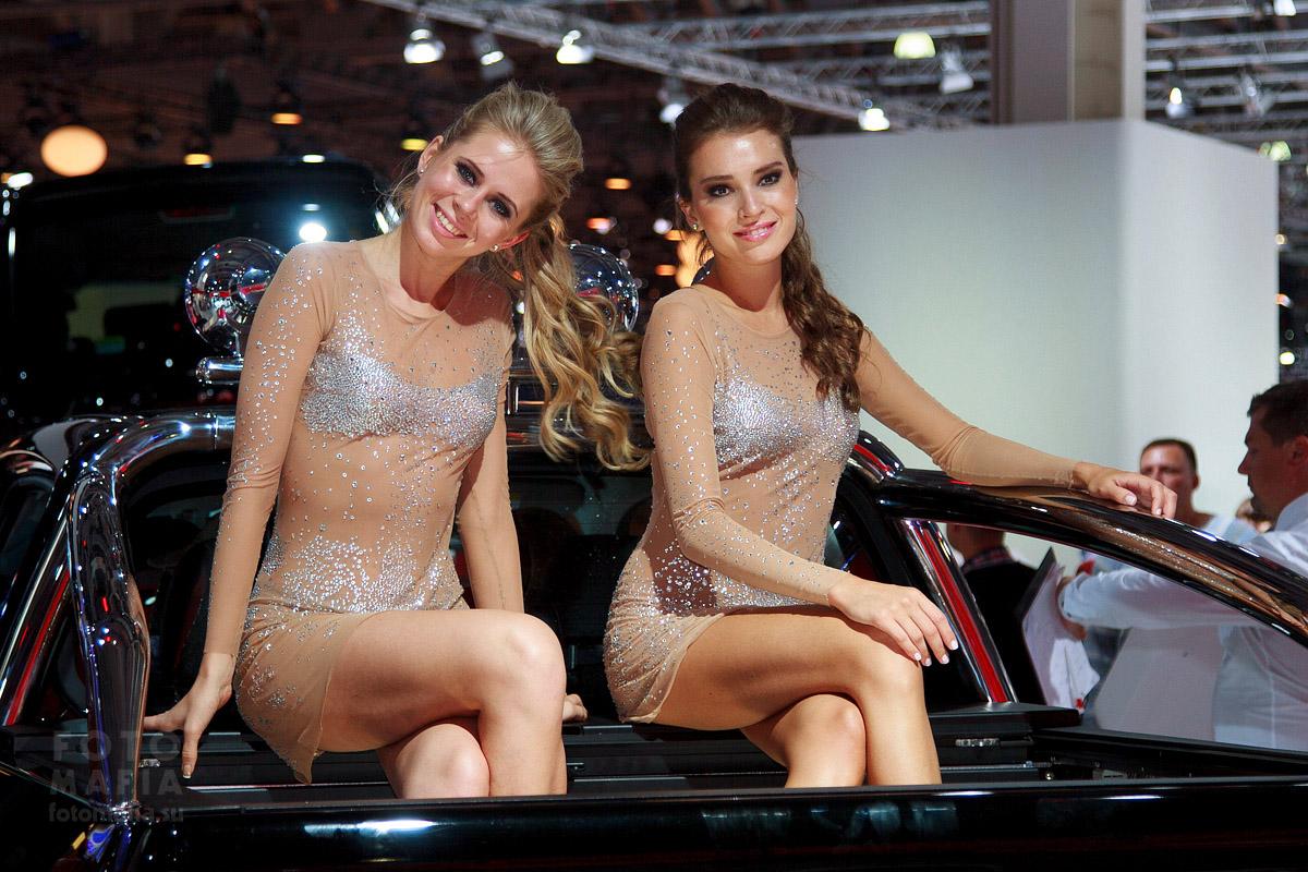 Девушки Mitsubishi на выставке ММАС 2014