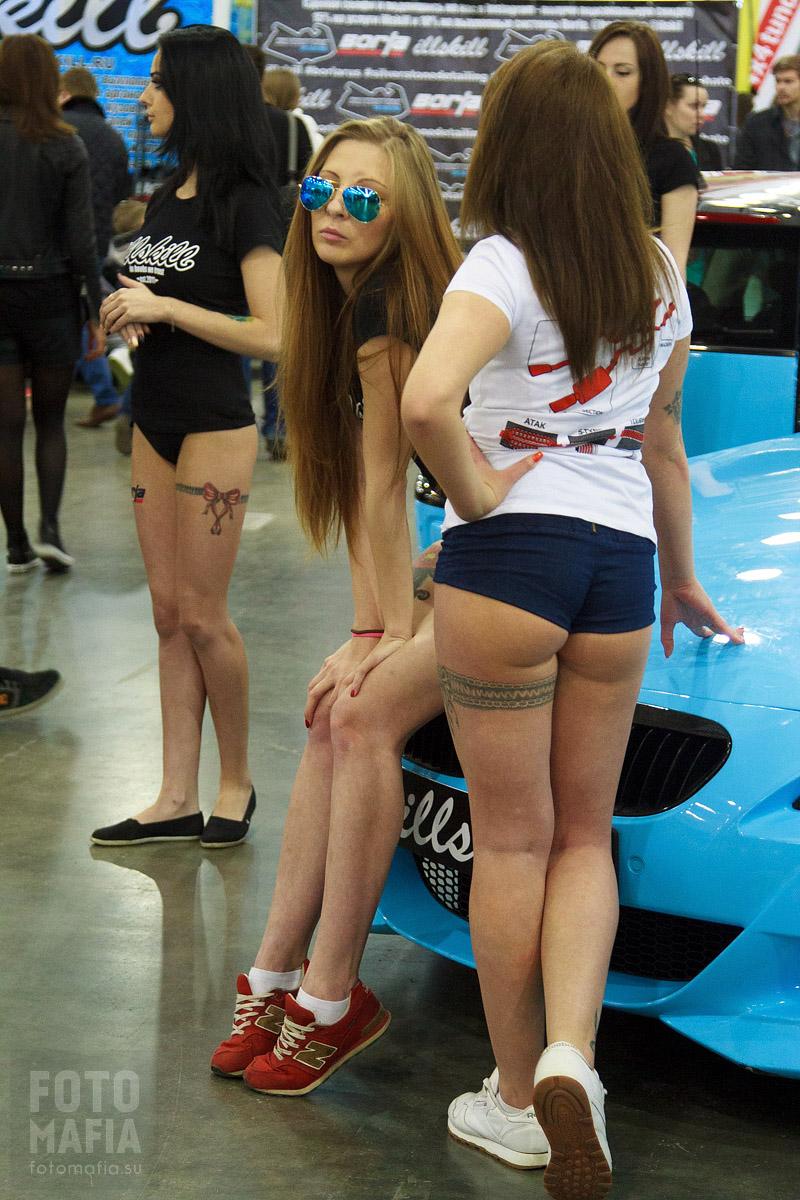 Сексуальные модели выставки Московское Тюнинг Шоу 2015