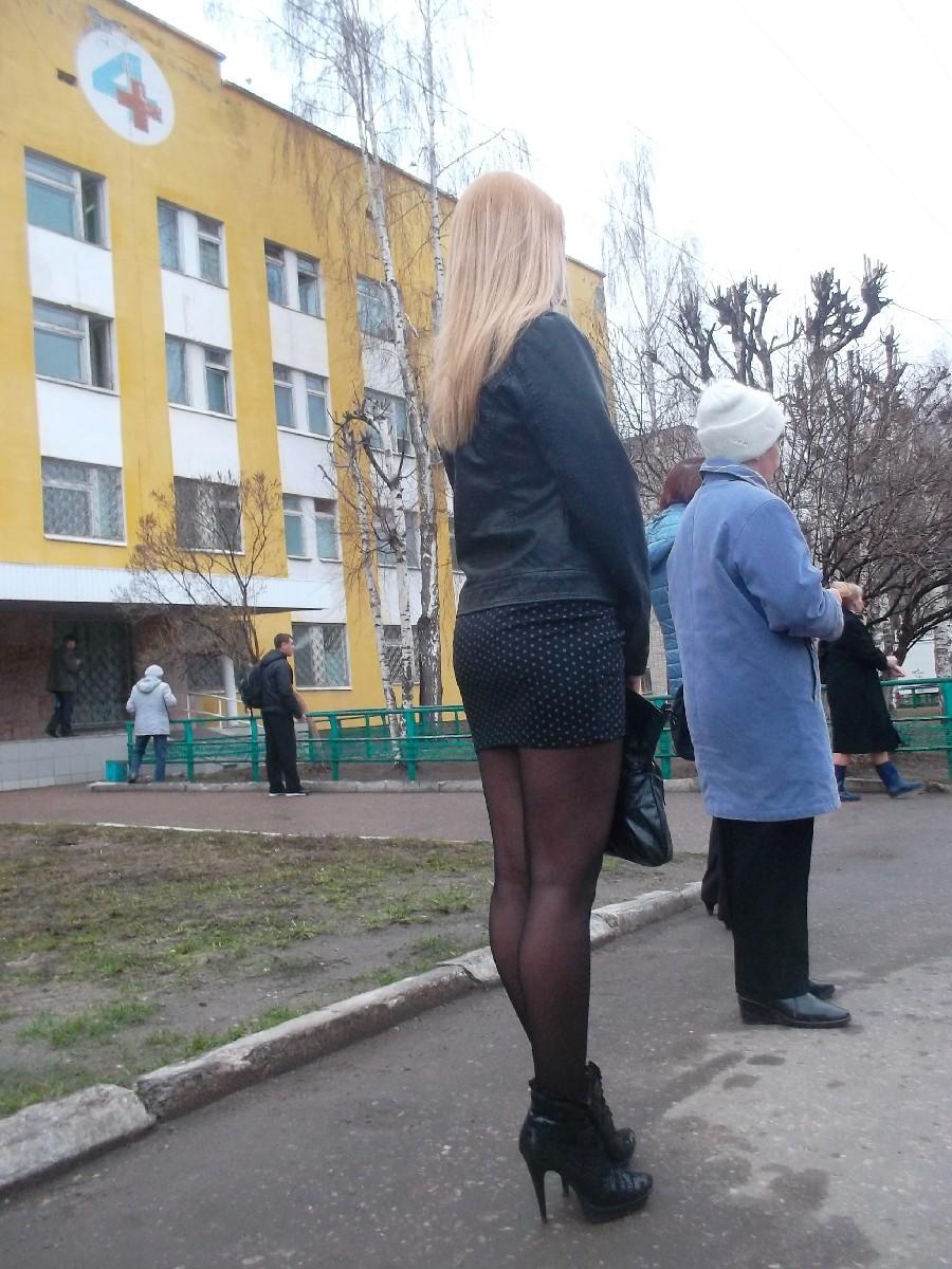 Фото девушек в босоножках на улицах казани 8 фотография