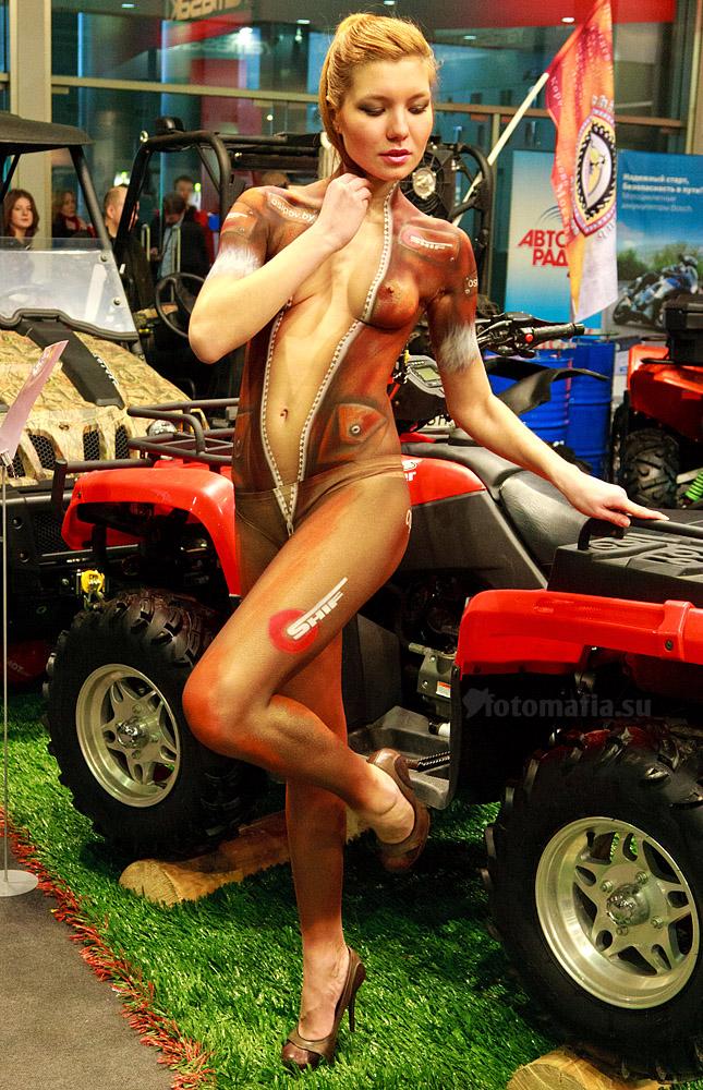 Бодиарт на выставке Мото Парк 2012