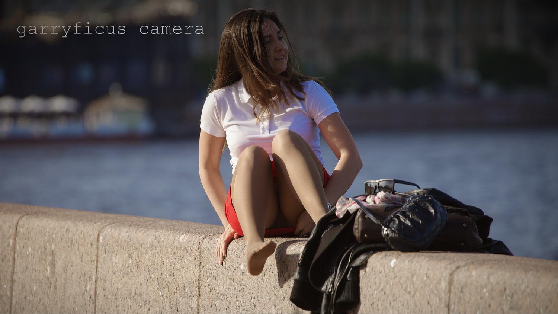 Девки в юбках видео 2