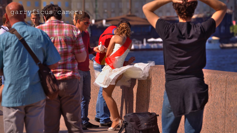 Смотреть ветер под юбкой 22 фотография