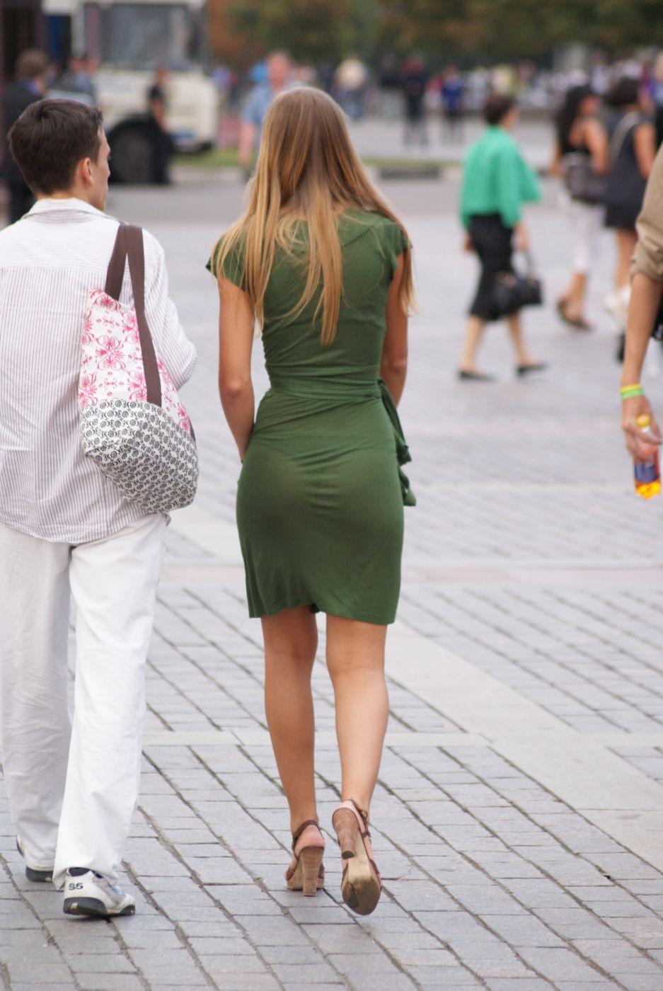 Фото в платье на улице 6 фотография