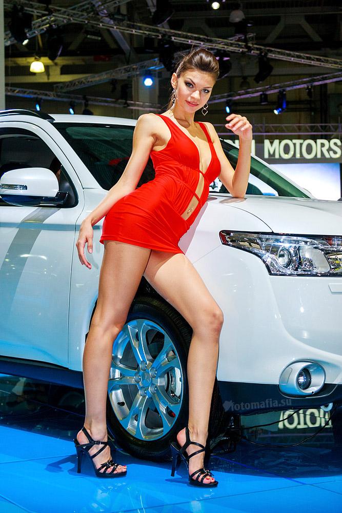 Девушка Mitsubishi на выставке ММАС 2012