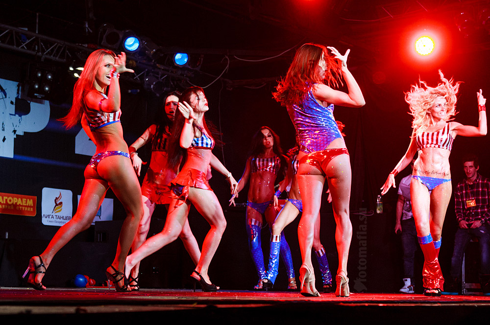 Девушки танцевального фестиваля Frame Up