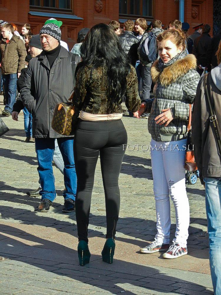Фотоохота на девушку в леггинсах