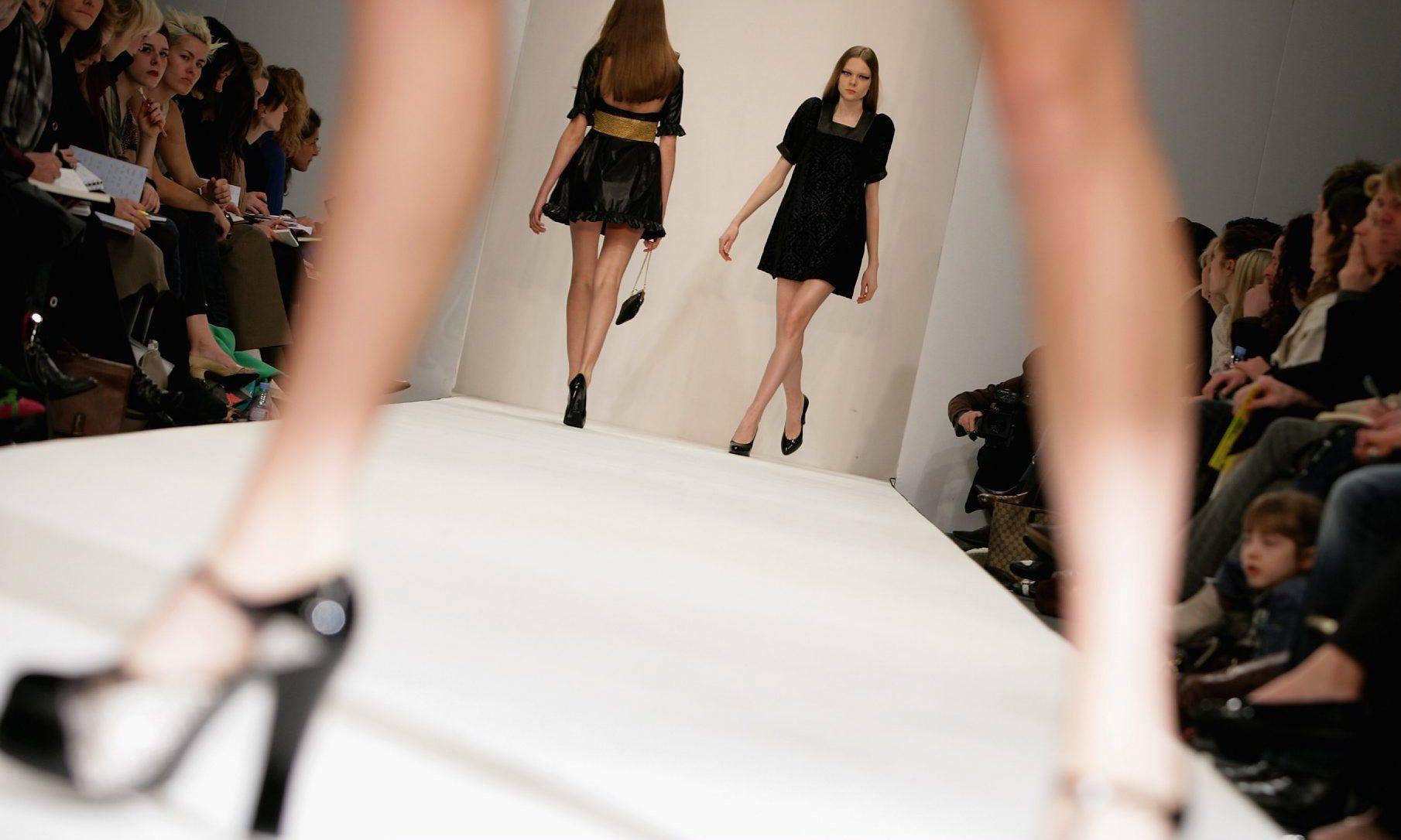 Модный показ во Франции