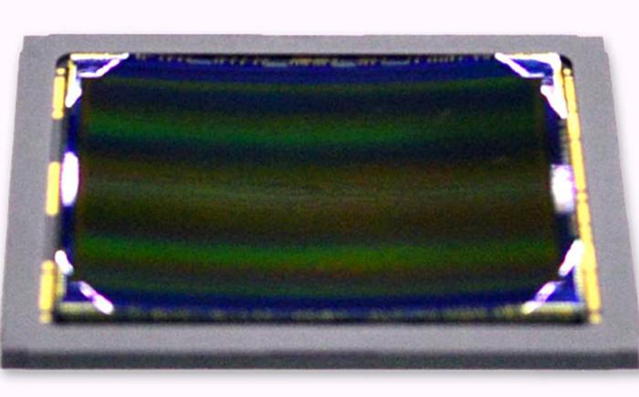 изогнутый CMOS-сенсор от Sony